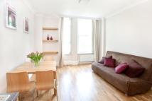 Studio apartment in Talbot Square, London, W2