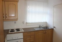 Flat to rent in Maxwell Gardens...
