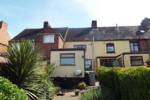 2 bed property to rent in Long Street, Dordon