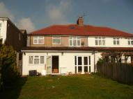 5 bed semi detached house in Broad Walk, Heston, TW5