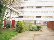 Flat to rent in Spooner House, Heston