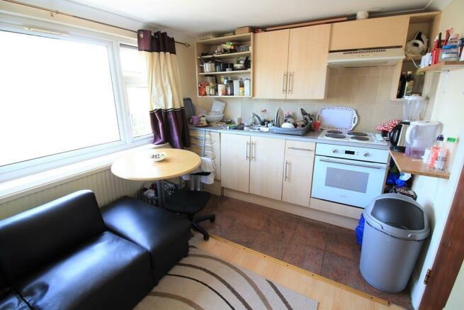 Open Plan Kitchen & Reception
