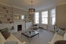 2 bed Flat to rent in Abingdon Road, London, W8