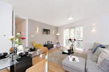 Flat to rent in Medway Street, London...