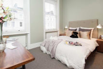 2 bedroom Flat in Lexham Gardens, London...
