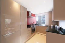 1 bed Flat in Campden Hill Road...