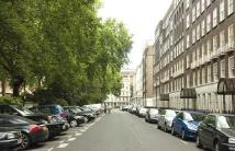 Flat in LOWNDES SQUARE...