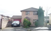 4 bed Detached house in 27 Woodstock Gardens...