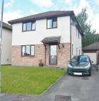 4 bedroom Detached property in 51 Woodstock Gardens...