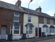 2 bedroom Terraced house in Gordon Road, High Wycombe