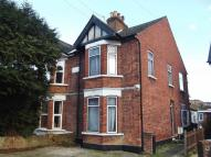 4 bed semi detached house to rent in QUEENS HOUSE