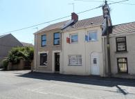 3 bedroom Terraced property in Cwmfelin Road, Llanelli