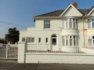 4 bed semi detached home in Mostyn Avenue, Carmarthen