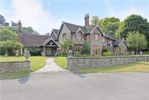 5 bed Detached property to rent in Henley Road, Medmenham...