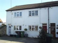 Cottage to rent in Hedsor Road, Bourne End...