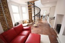 Apartment for sale in Latymer Road, London, N9