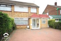 4 bedroom semi detached property in Avondale Crescent...