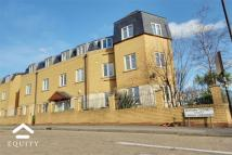 Apartment in Autumn Close, Enfield...