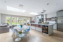 5 bedroom semi detached home for sale in Woodbourne Ave, London...