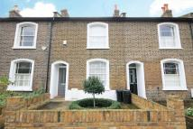 2 bed property to rent in Theresa Road, Hammersmith