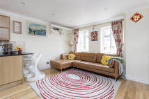 3 bedroom Terraced house for sale in Valetta Road, Acton...