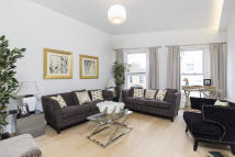 5 bedroom Terraced home for sale in Gayford Road, London, W12