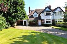 6 bedroom semi detached home in Sir Harrys Road...