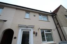 3 bedroom house to rent in Queen St , Kingswood...