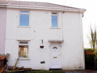 Terraced home to rent in Jubilee Crescent, Neath...