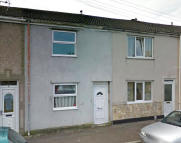 1 bedroom Terraced property in Vincent Street, Swansea...
