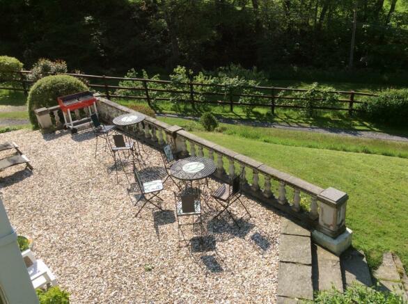 Garden - Patio Area