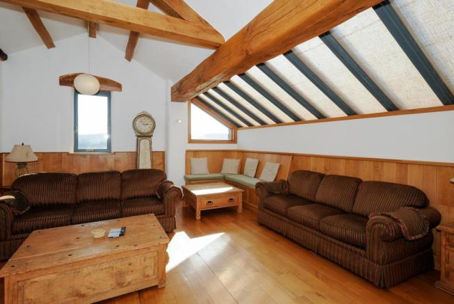 Living Room-Meadow Cottage