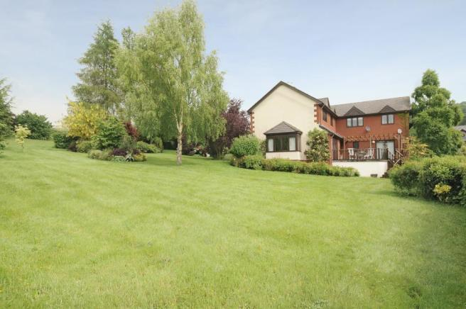 Spacious detached house with magnificent views