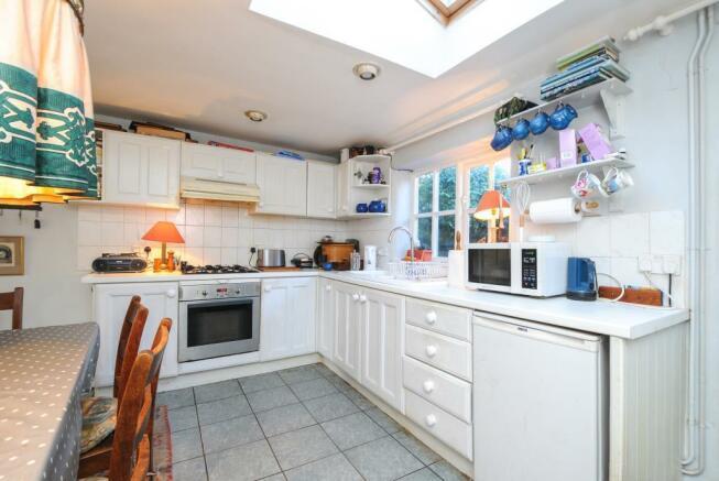 Kitchen with door to the garden