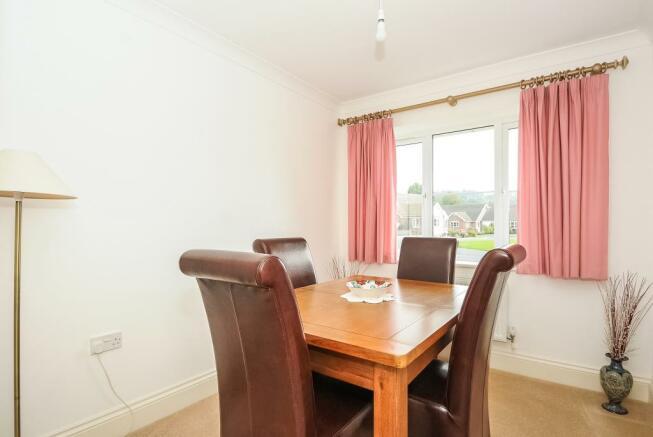 Separate dining room/bedroom 5