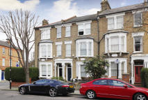 5 bed home to rent in Huddleston Road, London