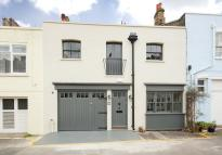 3 bedroom Mews in Devonshire Mews West...