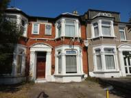 1 bed Apartment to rent in Seymour Gardens, Ilford