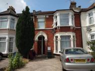 1 bed Ground Flat to rent in BLYTHSWOOD ROAD, Ilford...