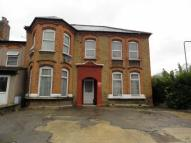 Ground Flat to rent in York Road, Ilford, IG1
