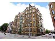 Flat to rent in Tooley Street, London...