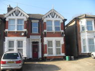 1 bedroom Flat for sale in Seymour Gardens, Ilford...