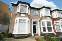 1 bed Flat for sale in Empress Avenue, Ilford...