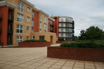1 bedroom Apartment in Monarch Way, Barkingside...