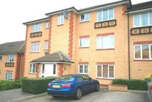 Apartment in HERENT DRIVE, Ilford, IG5