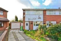 3 bed semi detached house in Abingdon Drive