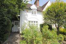 2 bed Cottage in Hogarth Hill...