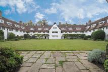 2 bed Apartment in Waterlow Court...