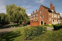 2 bed Flat in Meadway...