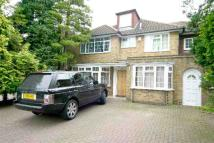 6 bedroom Detached home in Fitzalan Road, Finchley...